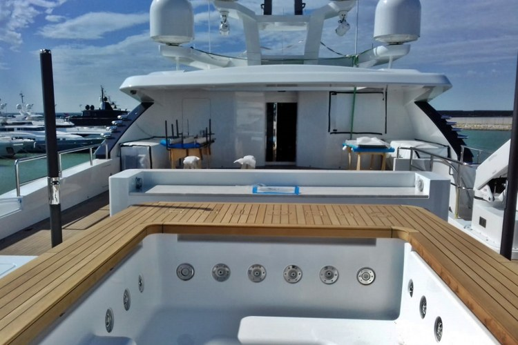 Jacuzzi teak on motor yacht by Duca Solutions