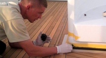 Restoing teak on a boat