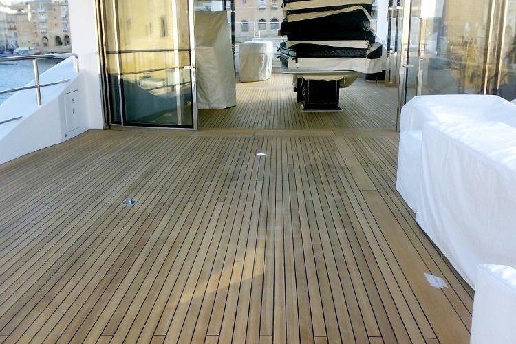 Teak renovation motor yacht by Duca Solutions