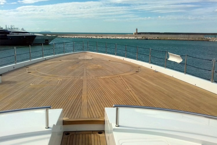 Motor yacht helicopter deck by Duca Solutions