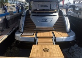 A stunning new DYNAMIQ GTT 115 luxury yacht with teak decks by DUCA Solutions